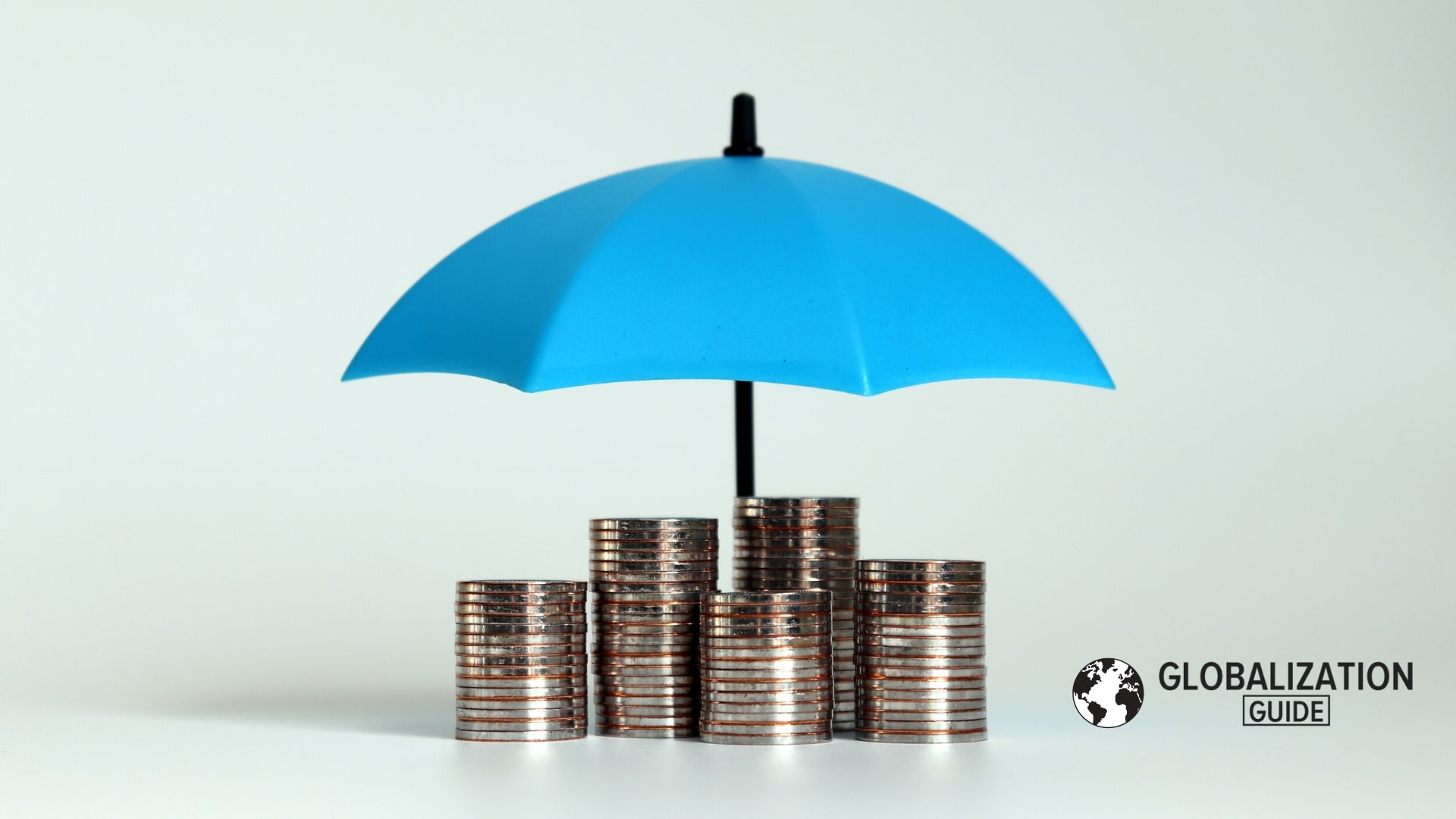 Ahorros pension paragua azul monedas